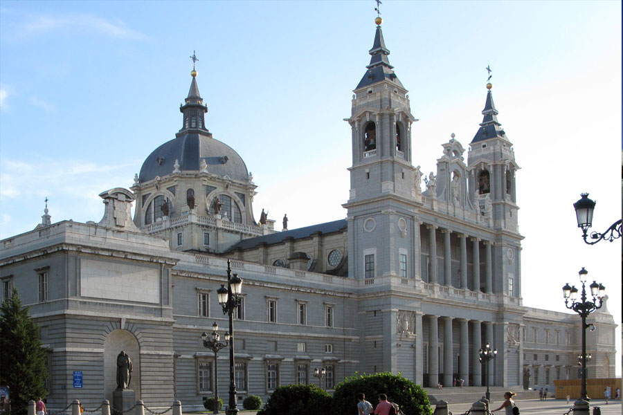 Almudena Cathedral Madridfacts